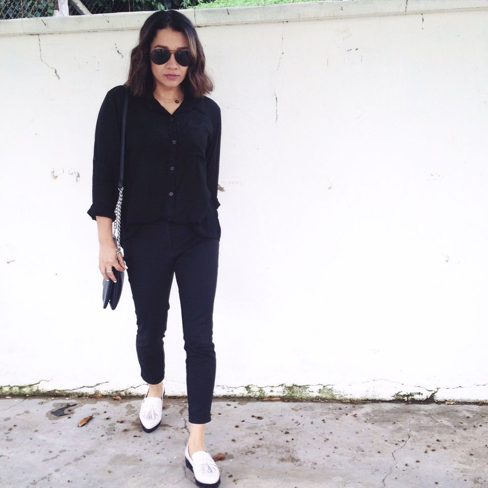 All black with white pointed shoes