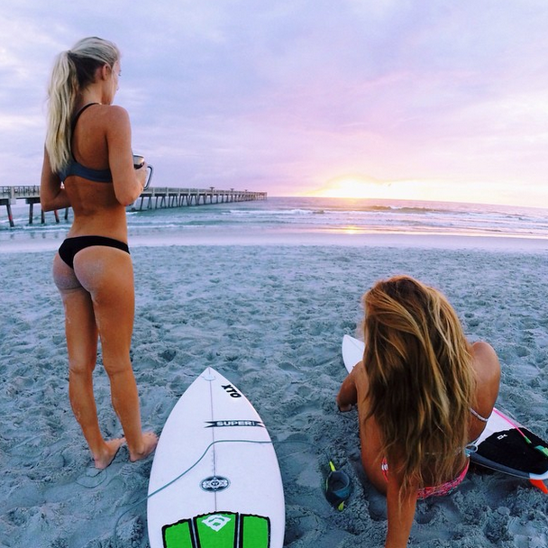 dea-del-mare #surfgirls