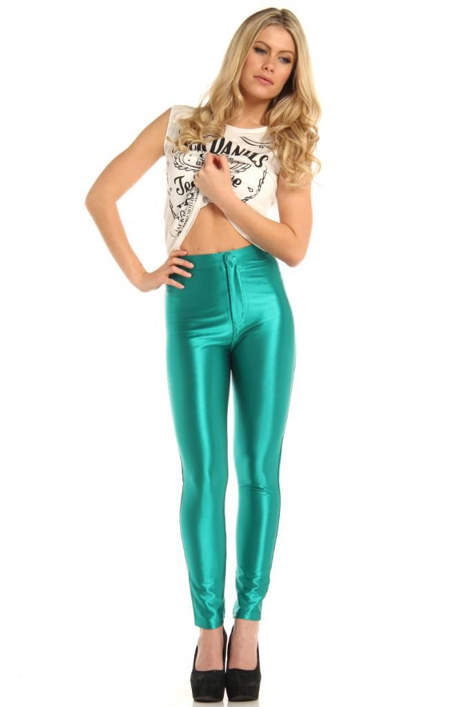 Image from   wwwwhyoffashion/wp-content/uploads/2013/11 - green dress halloween costume ideas