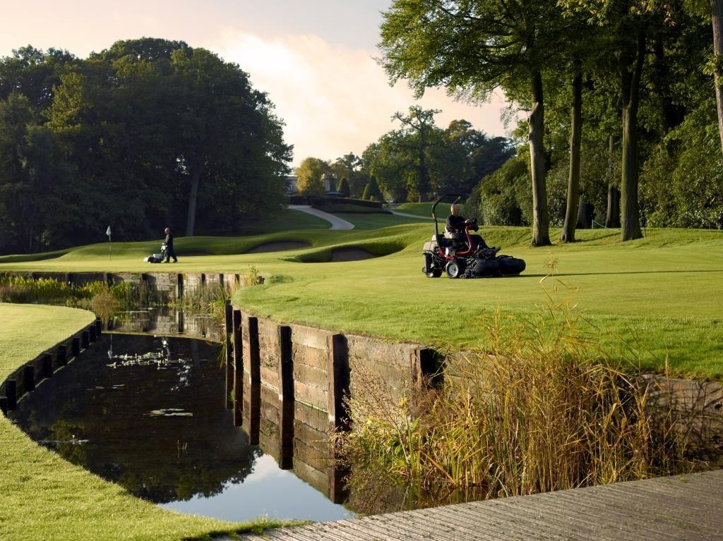 Wentworth Club In England Golf Courses Golf Turf