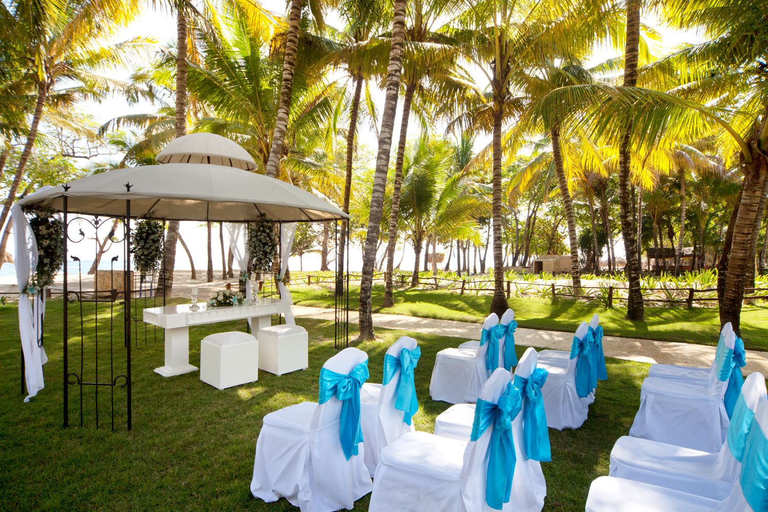 Cheap Destination Wedding Locations Of 2020 Destination Weddings Cheap Destination Wedding Affordable Destination Wedding Locations Destination Wedding Locations