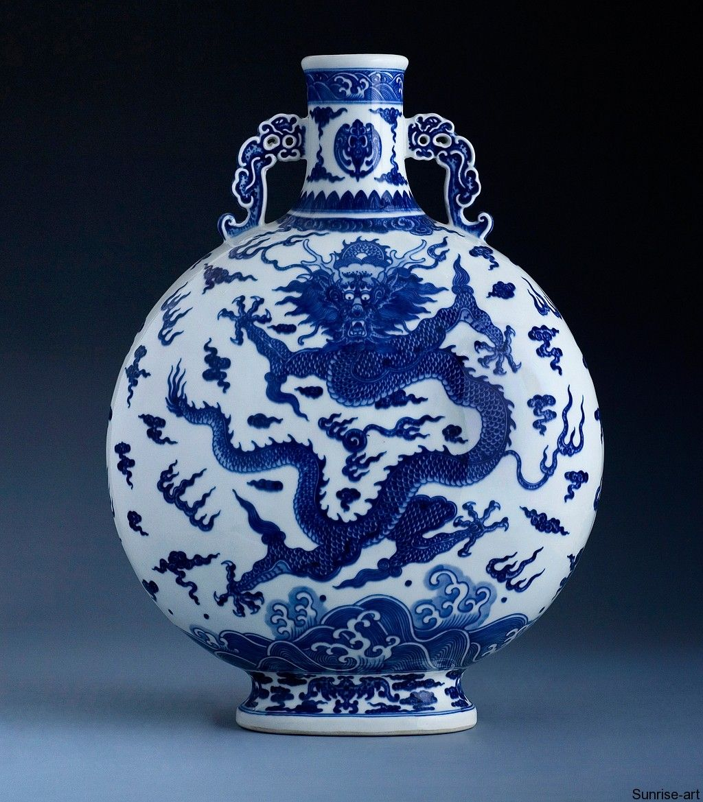 """phoenix and dragon on ancient pottery  Rare Blue And White """"Dragon"""" Moonflask Q0004  White"""