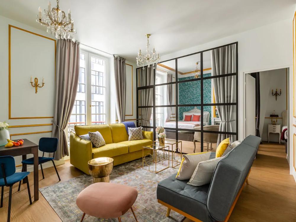 Luxury 2 Bedroom 2 Bathroom Apartment Louvre Appartamenti Serviti In Affitto A Parigi Camere D Albergo Camere Da Letto Di Lusso Appartamenti Di Lusso