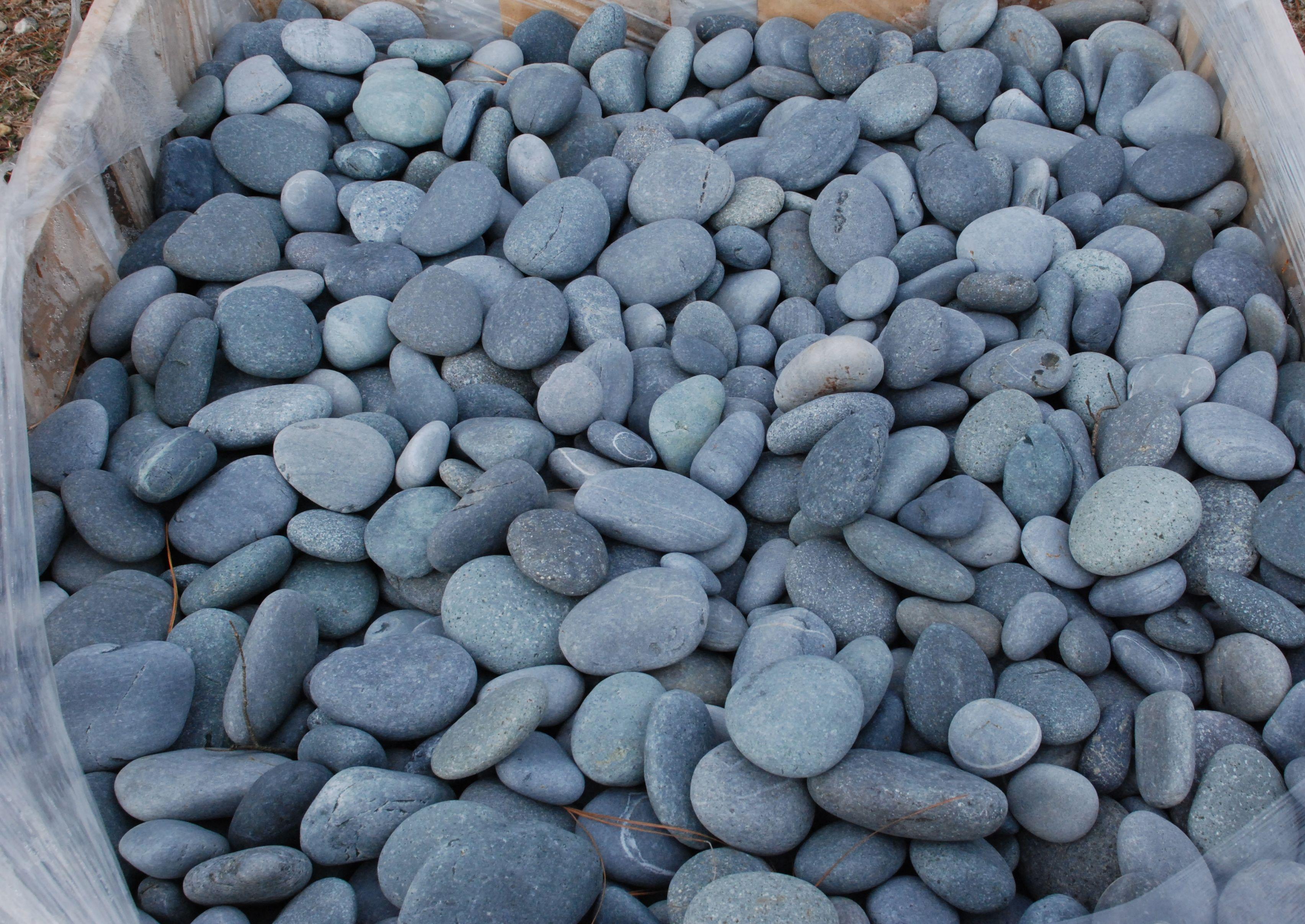 Black Mexican Pebbles