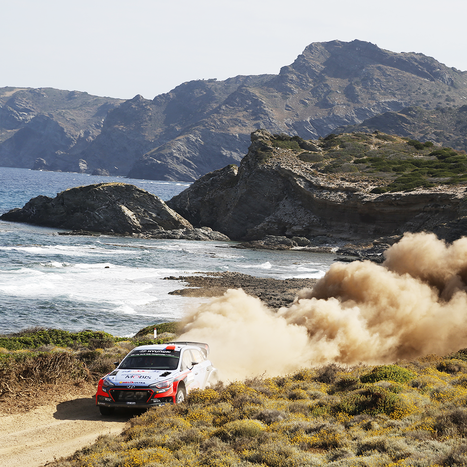 Leave beautiful scenery behind while running in this tough race! - @hyundai_wrc - 아름다운 지중해를 달리는 현대월드랠리팀! - #canttakeeyesoff #mediterraneansea #race #carwithoutlimits #i20 #Italia #Rally #motorsport #WRC #Hyundai