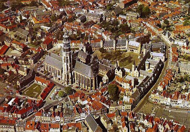 middelburg holland abdij lange jan centrum luchtfoto grachten dam tourism