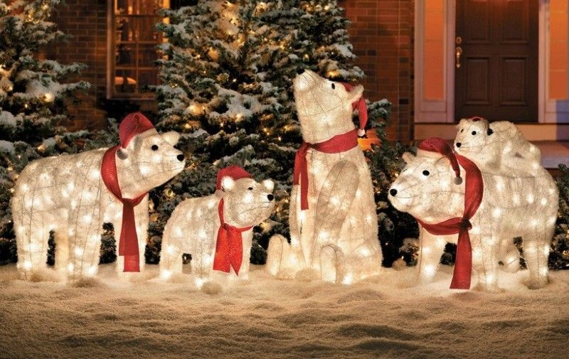 98 Magical Christmas Light Decoration Ideas For Your Yard Pouted Com Decorating With Christmas Lights Outdoor Christmas Lights Polar Bear Christmas Decorations