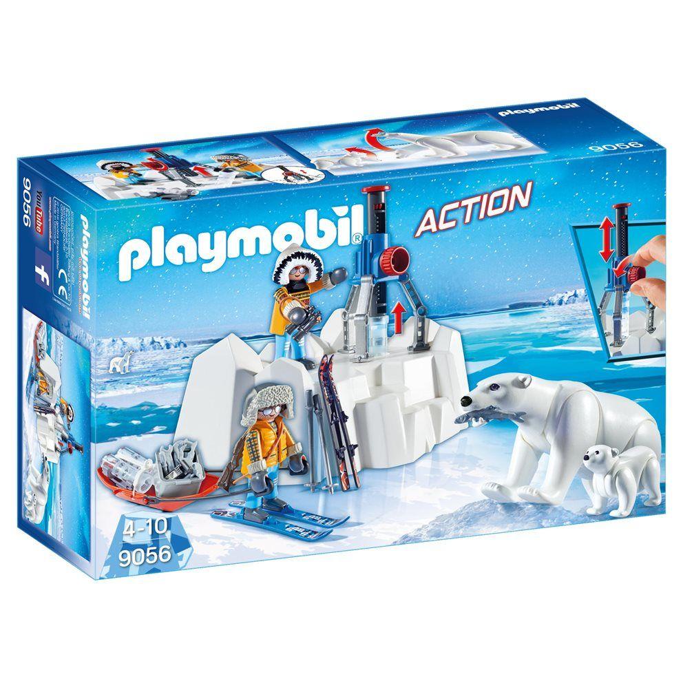 De PLAYMOBIL® pool rangers zijn bezig om energiekristallen te verzamelen en te onderzoeken. Maar dan duiken er opeens twee hongerige ijsberen op, ojee! Met de PLAYMOBIL® Poolreizigers met ijsberen 9056 speelset kun je spannende pool-avonturen naspelen.