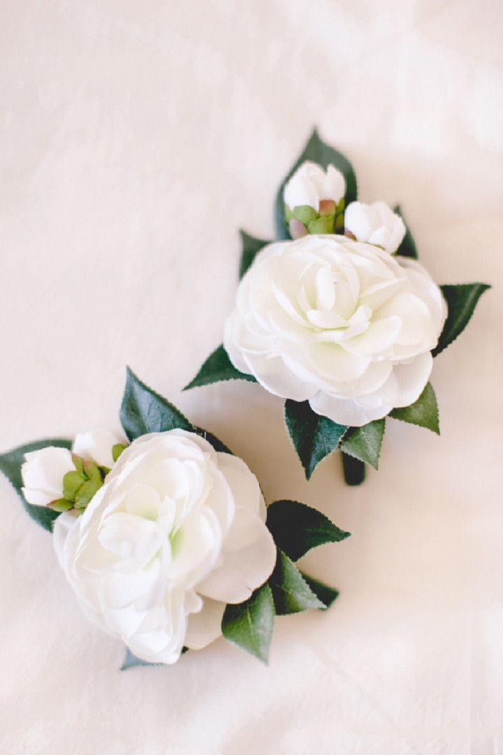 White boutonnieres  for a Breathtaking Fairytale Venice Wedding + Steven Khalil wedding dress | itakeyou.co.uk #wedding #venicewedding #destinationwedding #elegantwedding #white #goldwedding #fairytalewedding