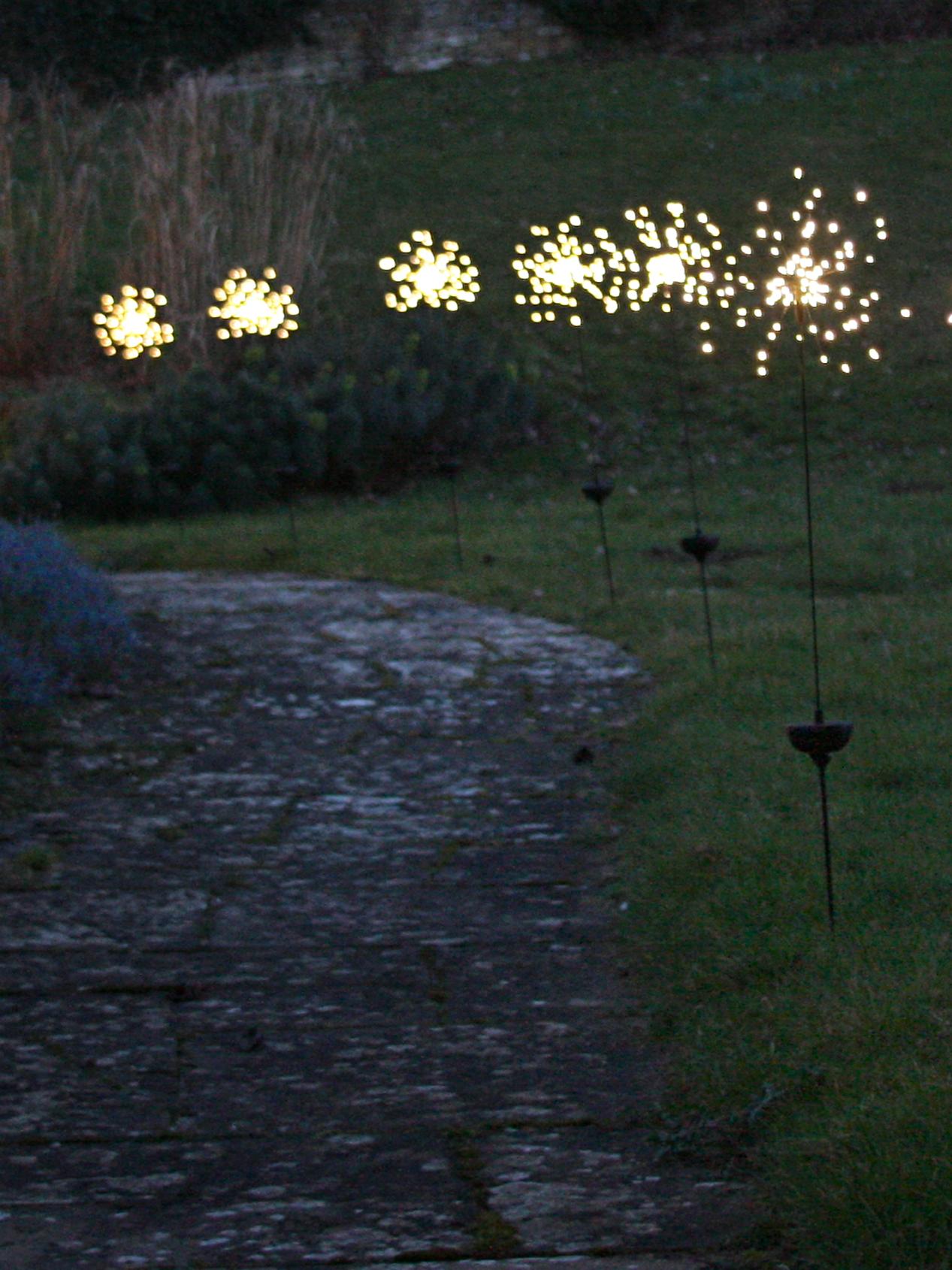 30 Diy Lighting Ideas At Night Yard Landscape With Outdoor Lights Gowritter Solar Lights Garden Garden Shed Lighting Ideas Garden Night Lighting
