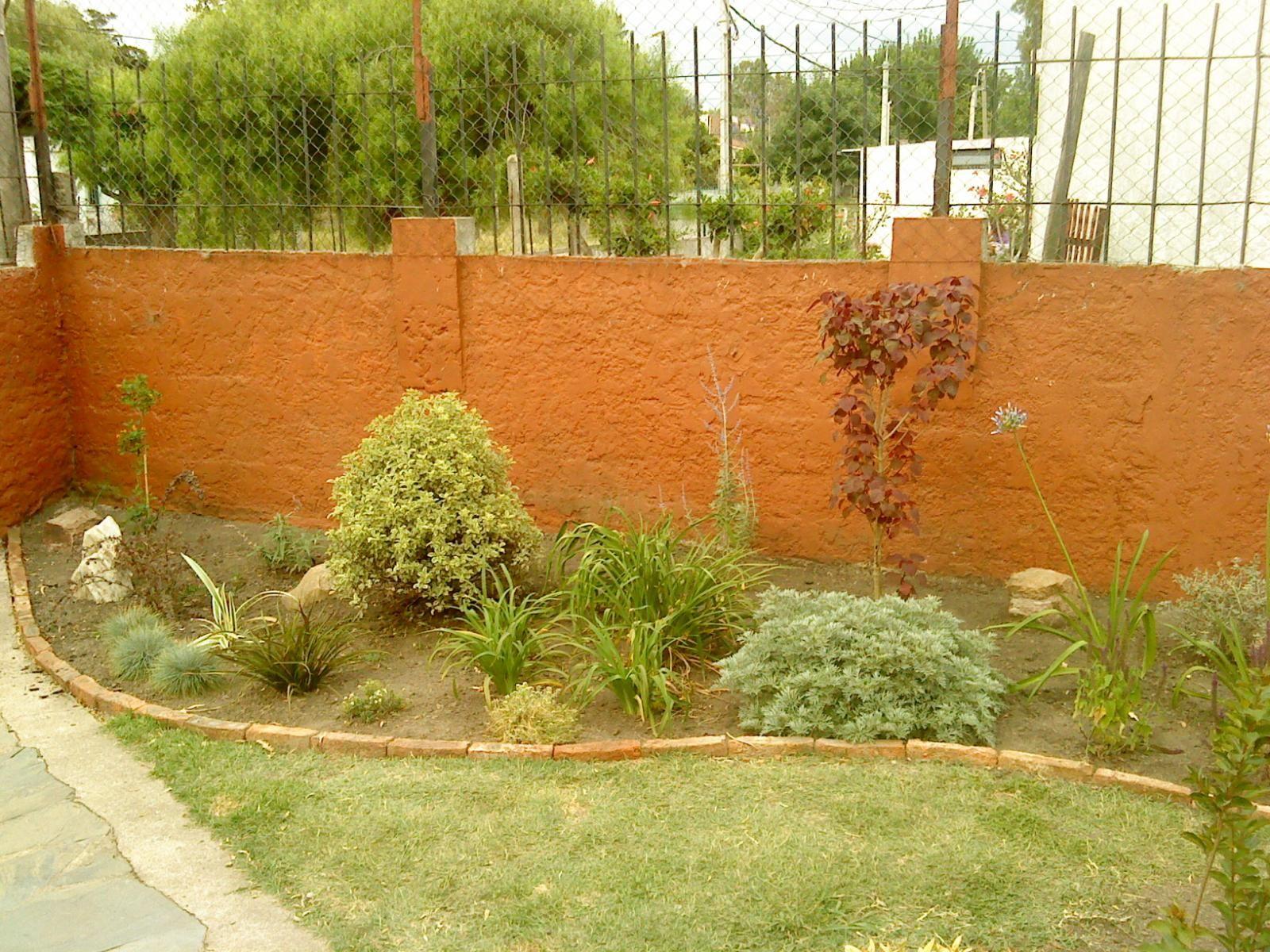 El jard n de ivonne arriate delantero jardines - Arriate jardin ...