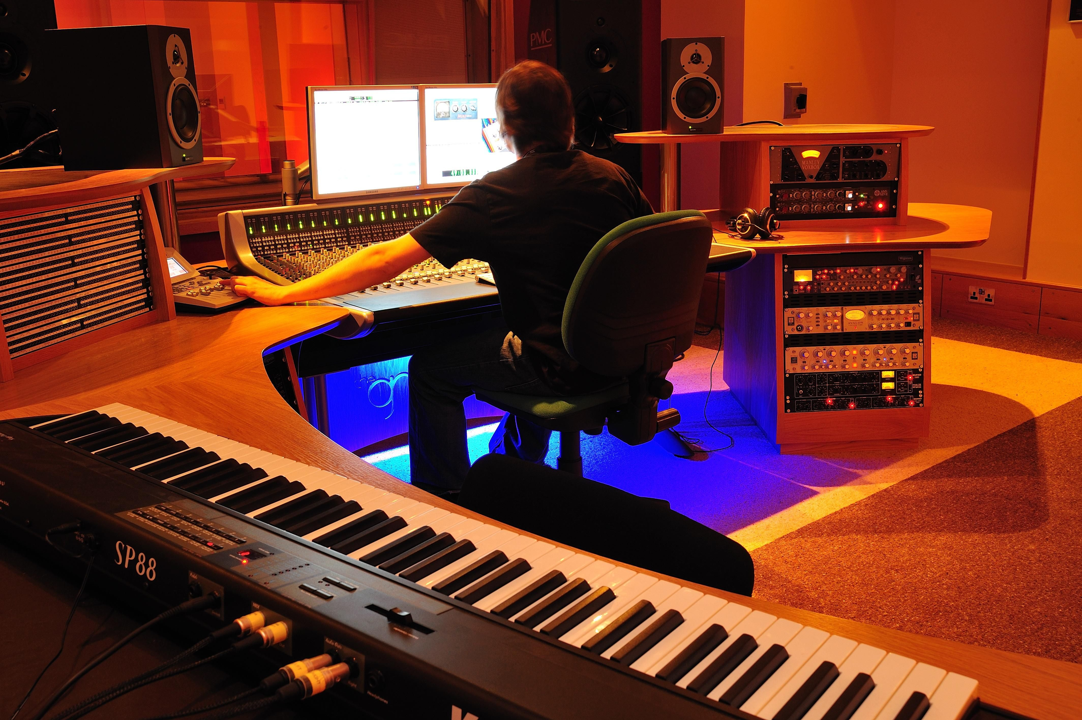 Pleasant 17 Best Images About Music Studio On Pinterest Diffusers Largest Home Design Picture Inspirations Pitcheantrous