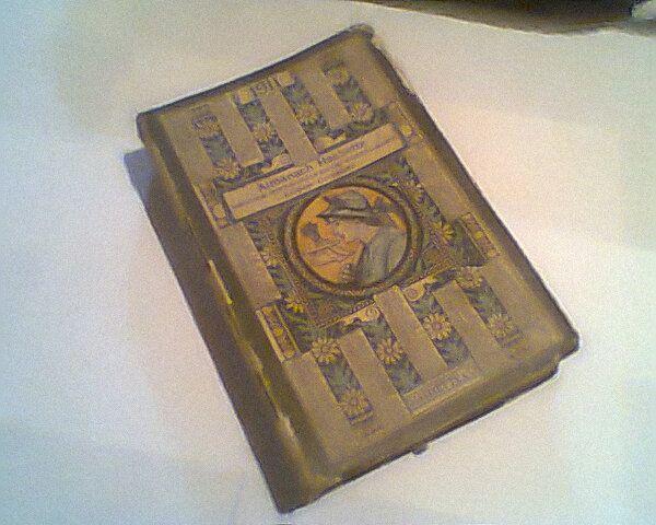 """NOMBRE: Almanach Hachette. PROPIETARIO:Luis Ignacio Flórez(Abuelo)  PROCEDENCIA: Desconocida   MEDIDAS: LOMO:3,4cm ALTO:19,3cm ANCHO: 12,7cm  HISTORIA: Este es un almanaque Francés llamado """" Almanach Hachette"""". Hachette es un gran grupo de comunicaciones francés que recientemente(2004) fue convertido en multinacional, originalmente esta fue una librería y casa editora fundada en el año de 1826.AUTOR: Luis Fernando Flórez GRADO: 8-07"""