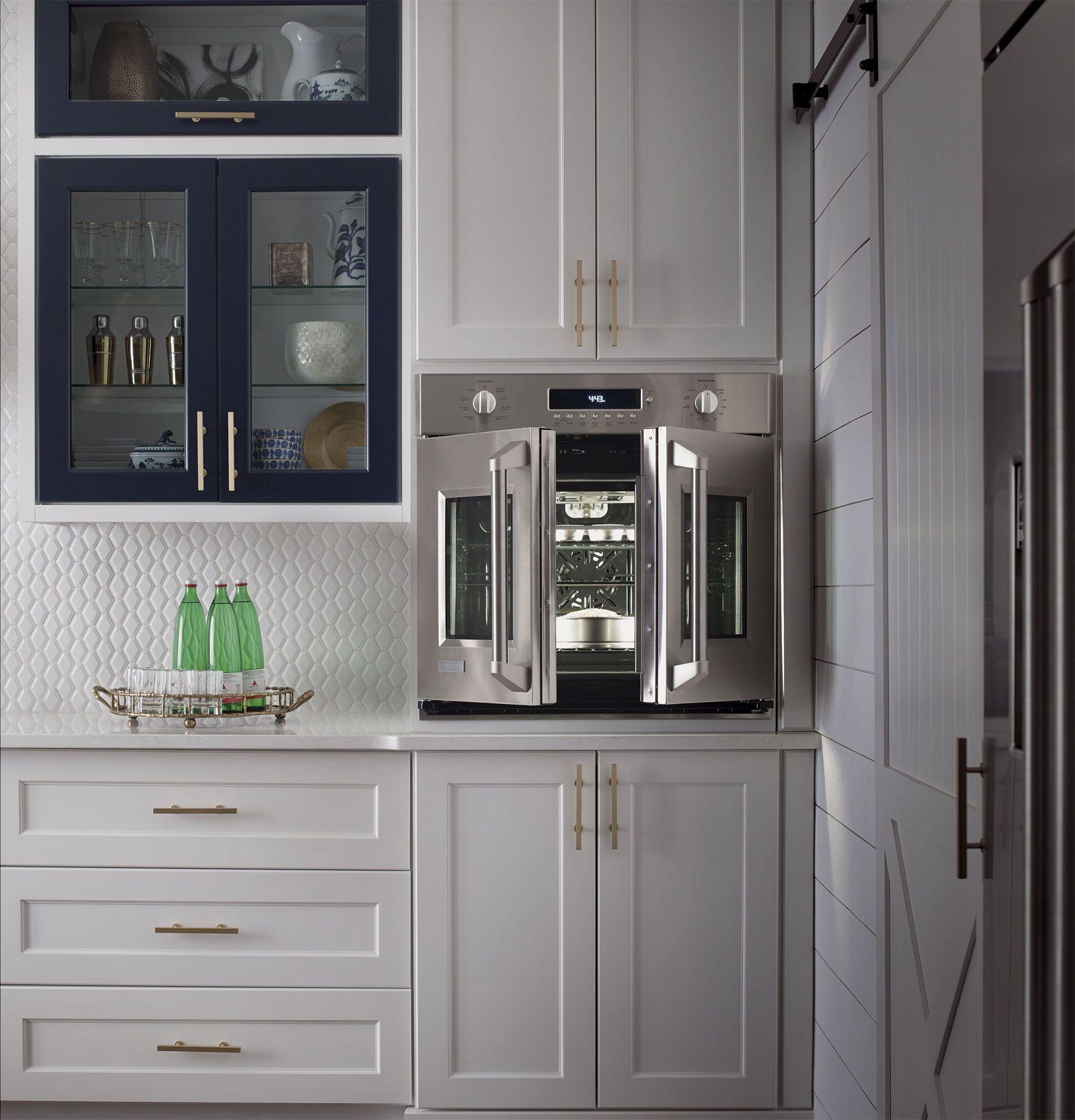 Kitchen Design Photos And Design Ideas Kitchen Design Kitchen Cabinet Design Commercial Kitchen Design