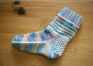 FIESTA FEET pattern o_O Pretty socks!!!