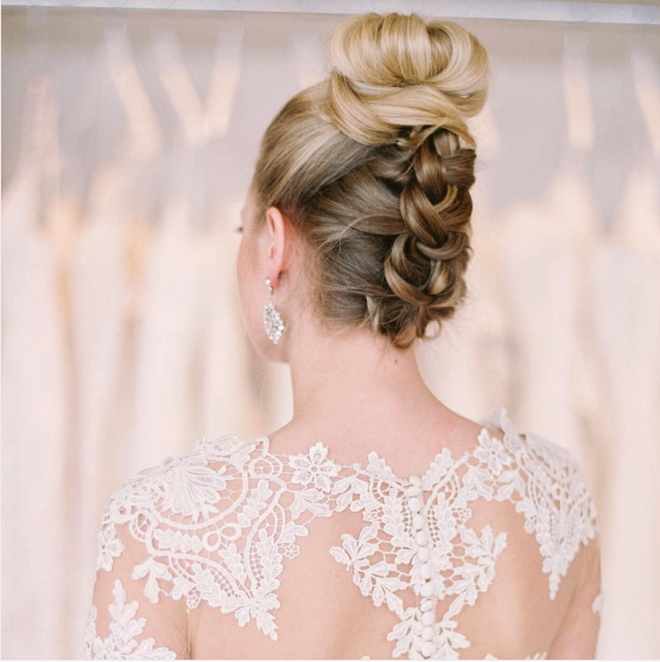 How To Hairstyles To Highlight A Backless Wedding Dress Backless Wedding Dress Wedding Dress Long Sleeve Backless Wedding