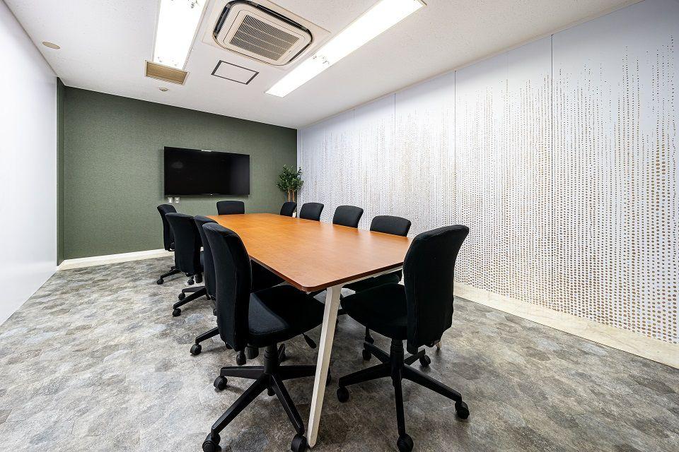 【オフィスデザイン施工事例】食材をテーマにした会議室で、より親しみやすいオフィスを