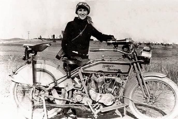 Woman With Harley Davidson In 1912 Harley Davidson Bikes Old Motorcycles Motorcycle Girl