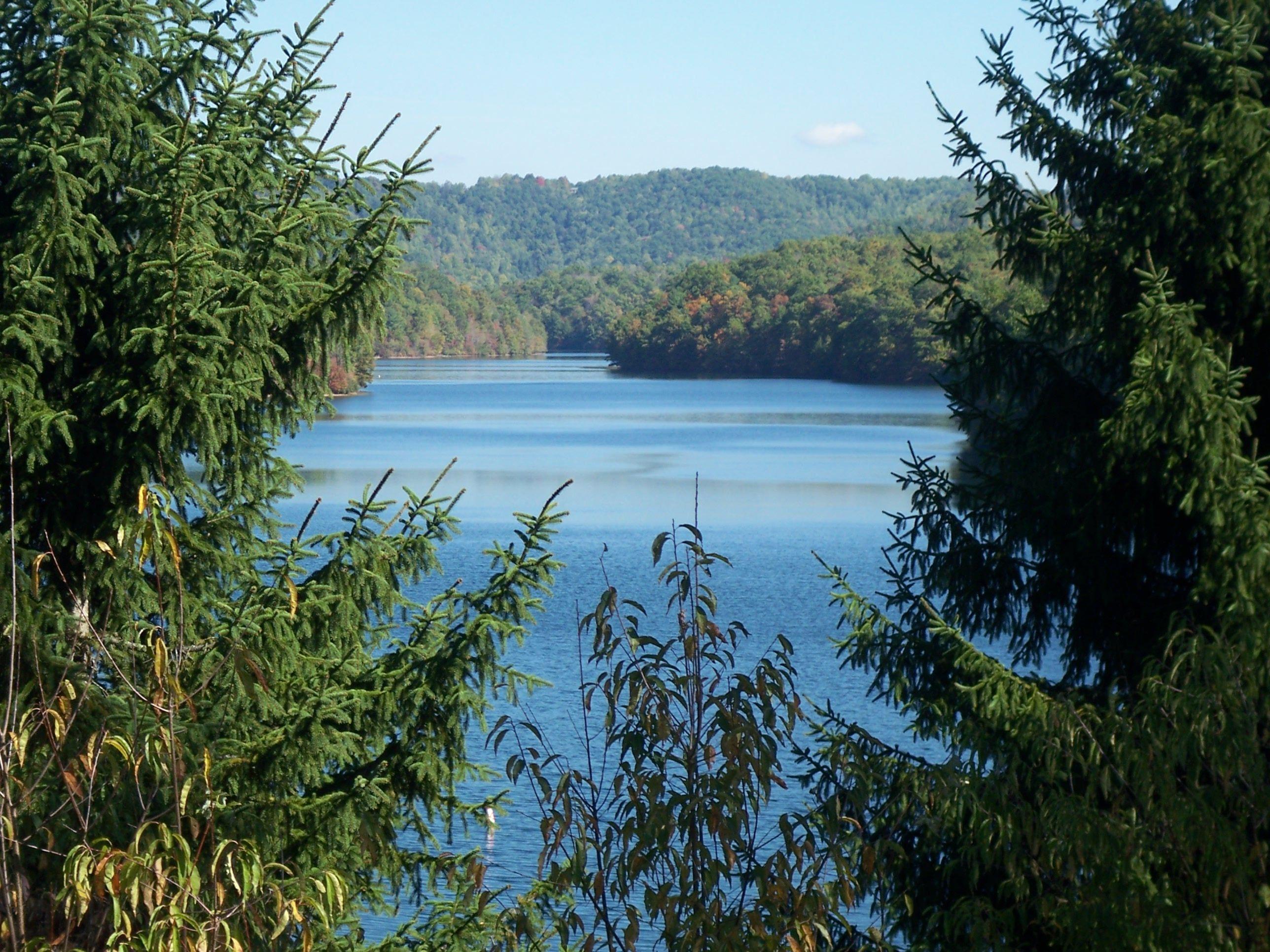pretty lakes near me