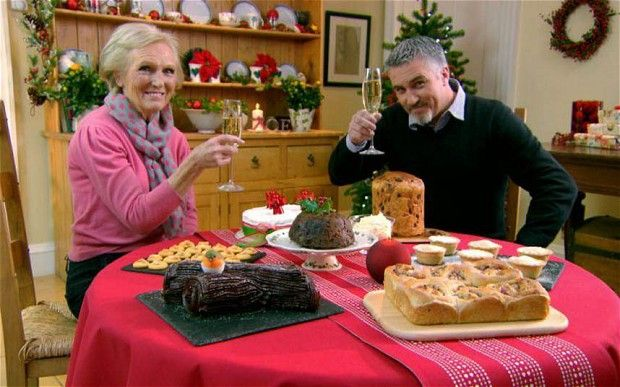 Mary Berry And Paul Hollywood In The Great British Bake Off Christmas Masterclass British Baking Christmas Pudding Recipes British Bake Off