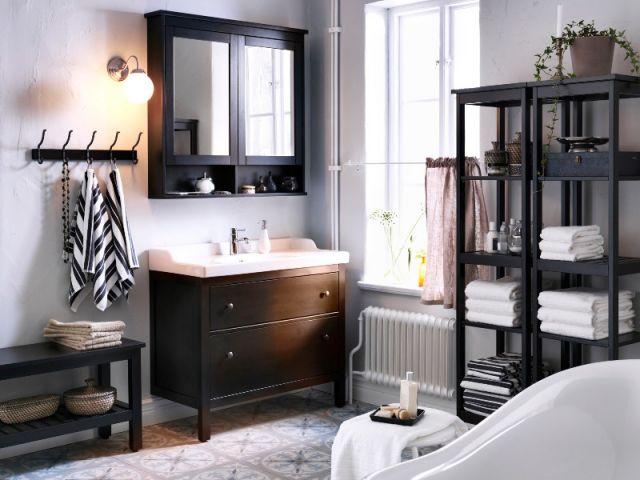 Dix salles de bains r tro inspir es des ann es 1930 meubles en bois fonc - Meuble retro salle de bain ...
