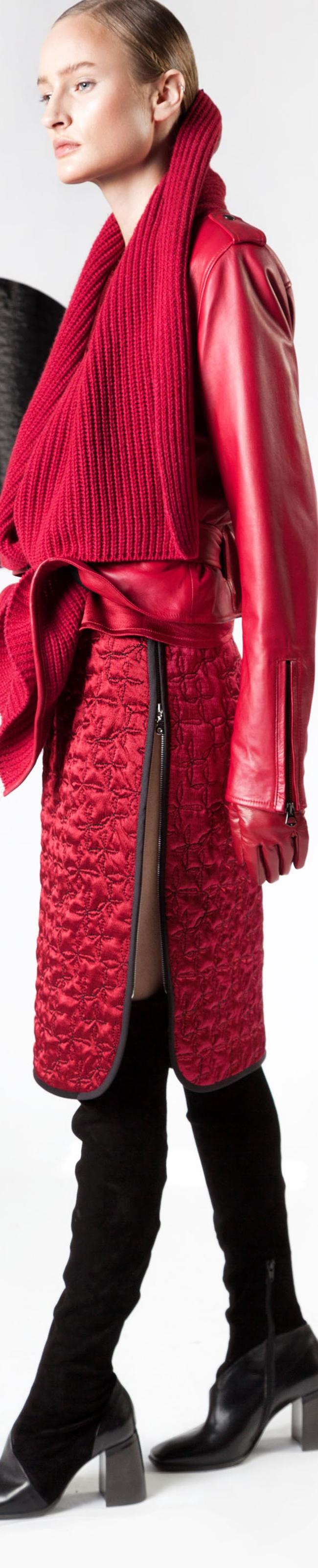 best sneakers e91e1 87590 Sfilata Malloni | Clothes | Red fashion, Fashion, Sweater ...