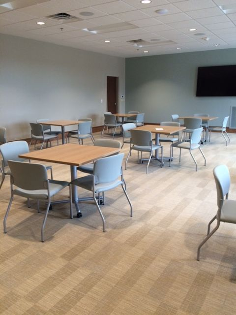 Parkside Pediatrics Greenville Sc Waveworks Tables With Tag Seating In Cafeteria Dining Training Space Nationaloffice Furniturew Home Decor Table Seating