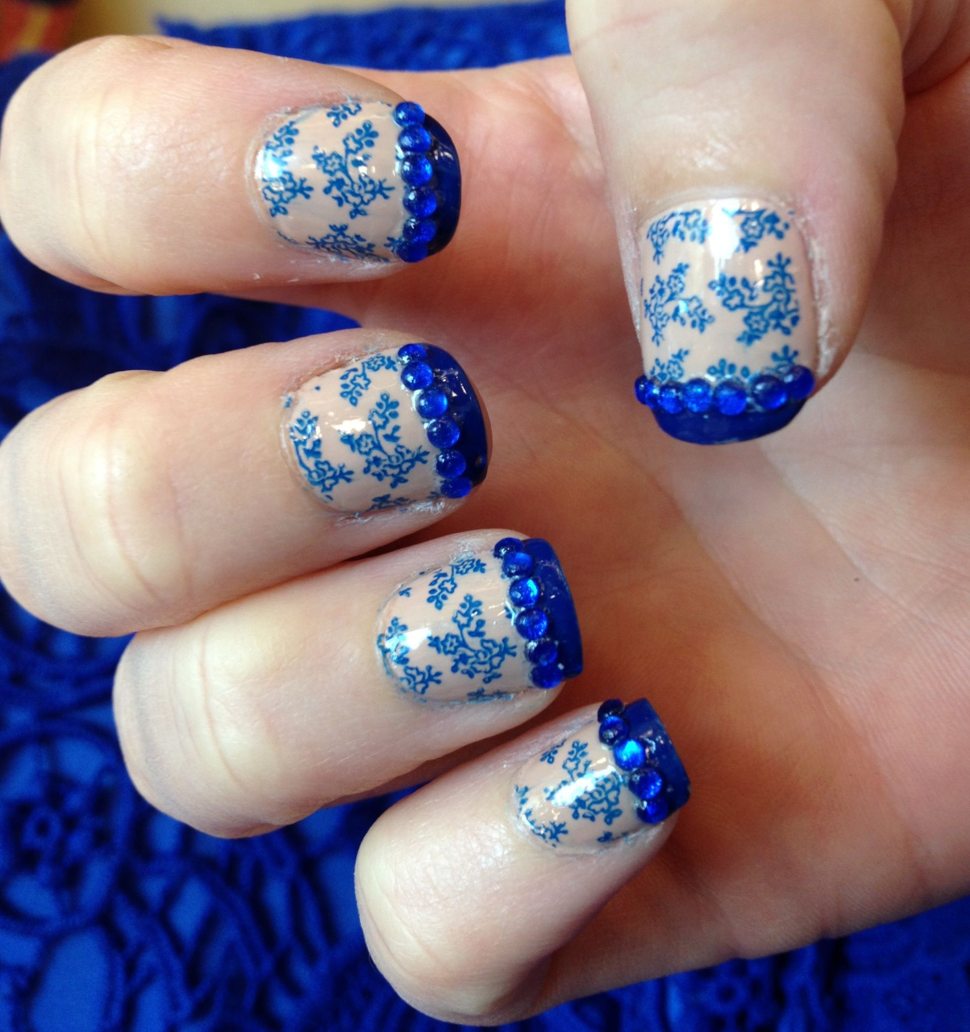 Nail pictures with a lace dress