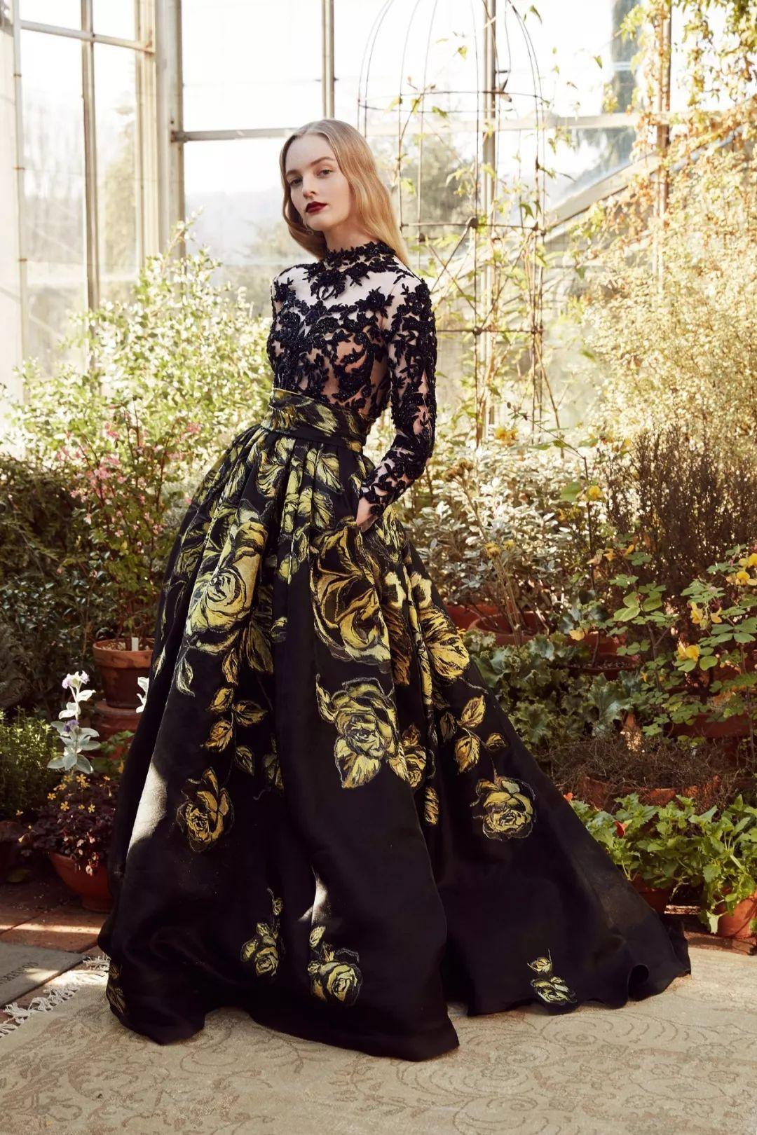 fe05df9ce74cf 2019 Marchesa s gorgeous dress