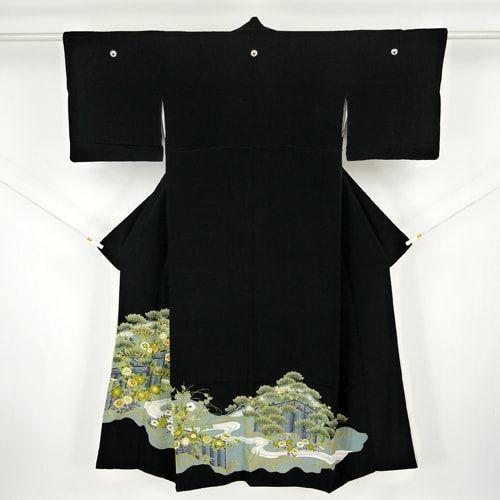 Black, silk kuro tomesode kimono / 刺繍を施した格調高い吉祥柄の黒留袖 http://www.rakuten.co.jp/aiyama #Kimono #Japan #aiyamamotoya