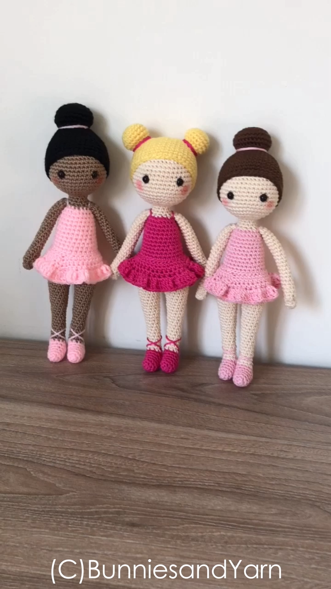 CROCHET PATTERN in English and Spanish – Tracey the Ballerina Doll – 11 in./28 cm. tall – Amigurumi Doll Crochet Toy – Instant PDF Download