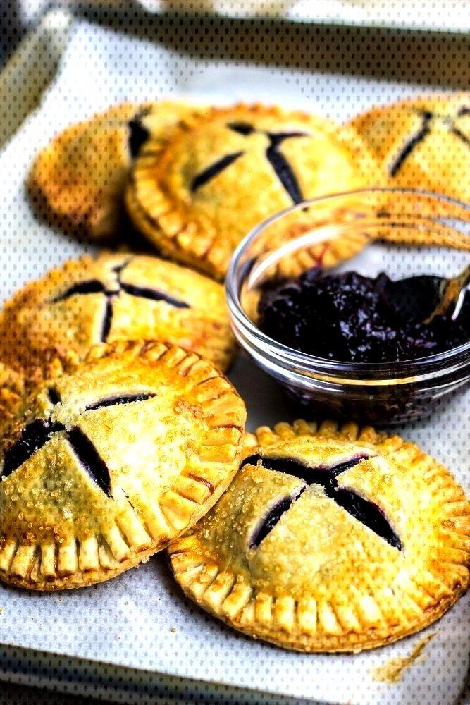 Blueberry Hand Pies | Veronika's Kitchen -