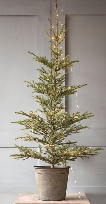 simple christmas tree my holiday home pinterest. Black Bedroom Furniture Sets. Home Design Ideas