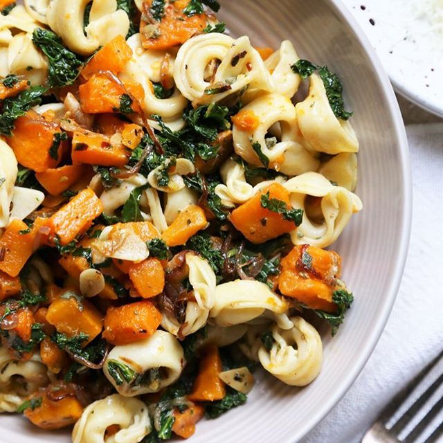 Warm Roasted Butternut Squash and Kale Tortellini Salad.  Recipe now on the blog.  Linked on my profile.  #vegetarian #thisisfall #feedfeed #thenewhealthy #rslove #cookcl #mywilliamssonoma #kale #butternutsquash #kaleyeah #f52farmstand #inseasonnow #thursdaymoments #organicmoments
