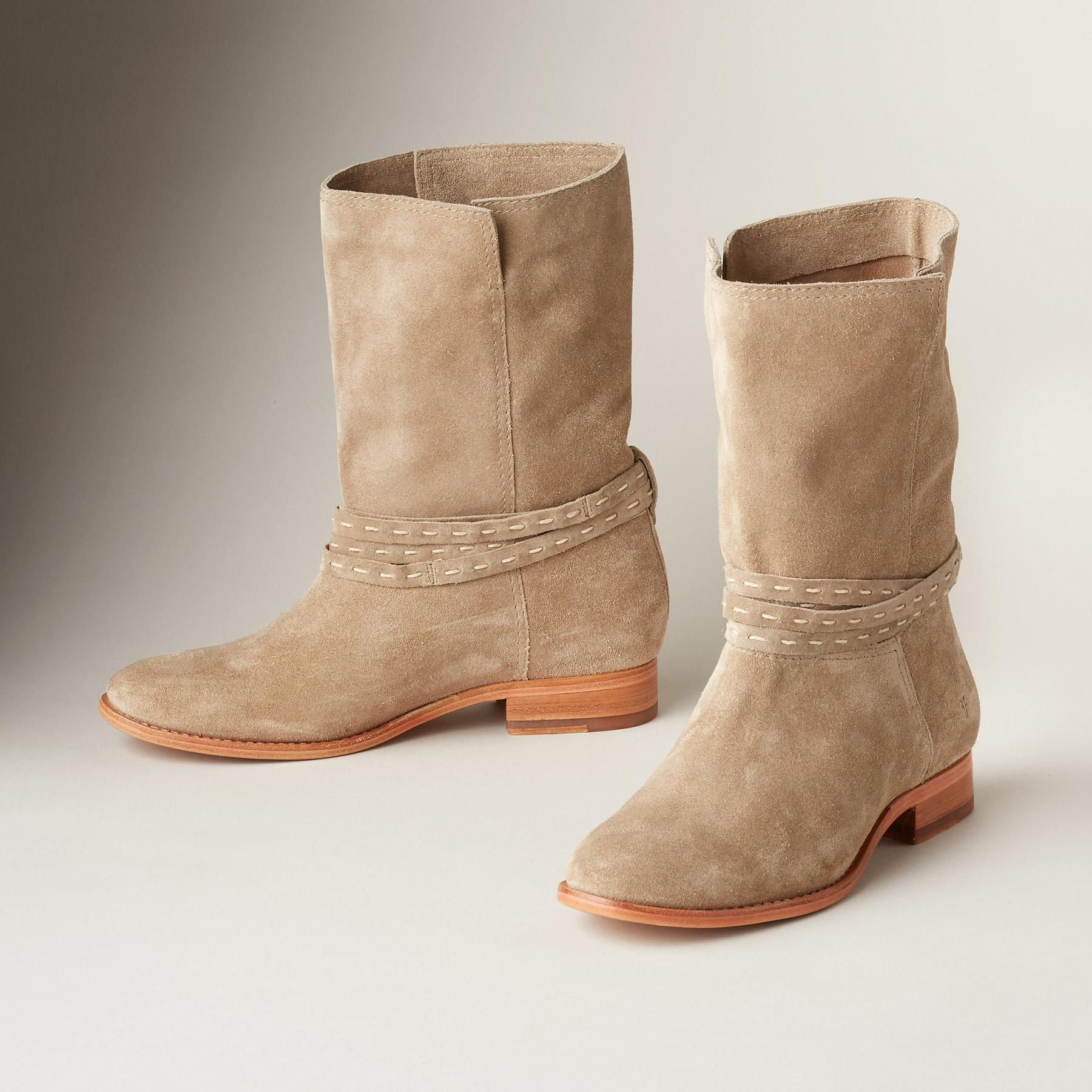 CARA PICKSTITCH MID HEIGHT BOOTS A classic look by Frye