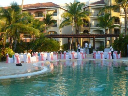Wedding Reception At Quiet Pool Now Larimar Www Barefootbridal Com Now Larimar Wedding Reception Destination Wedding