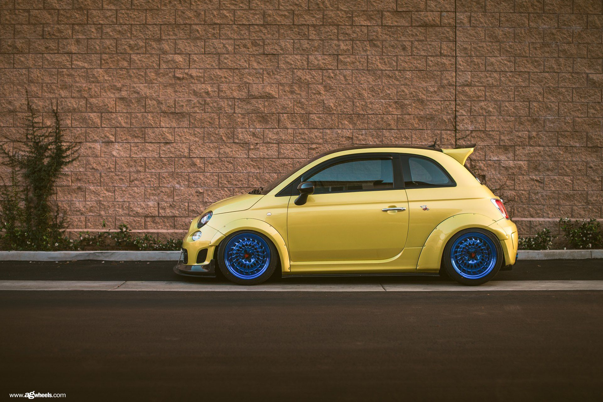 Yellow Fiat 500 Abarth Gets Distinctive Look With Blue Avant Garde