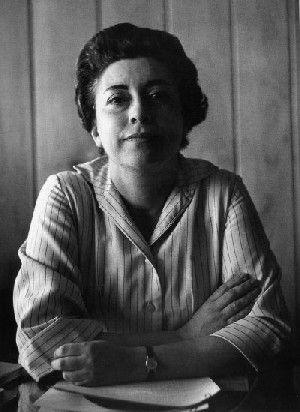Rosario Castellanos (born 25 May, 1925; died 7 August, 1974) , pictured above in a photograph by Ricardo Salazar Destino Matamos lo que amamos. Lo demás no ha estado vivo nunca. Ninguno está tan...