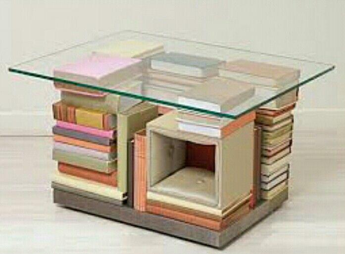 Mesinha de livros