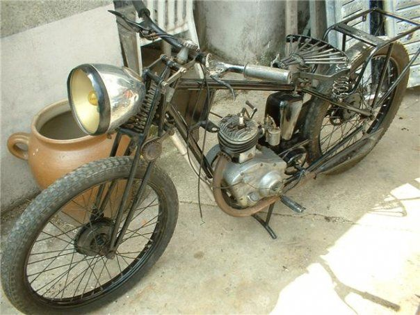 motobecane b1 1938 monocylindre 2temps carburateur gurtner cadre simple berceau fourche. Black Bedroom Furniture Sets. Home Design Ideas