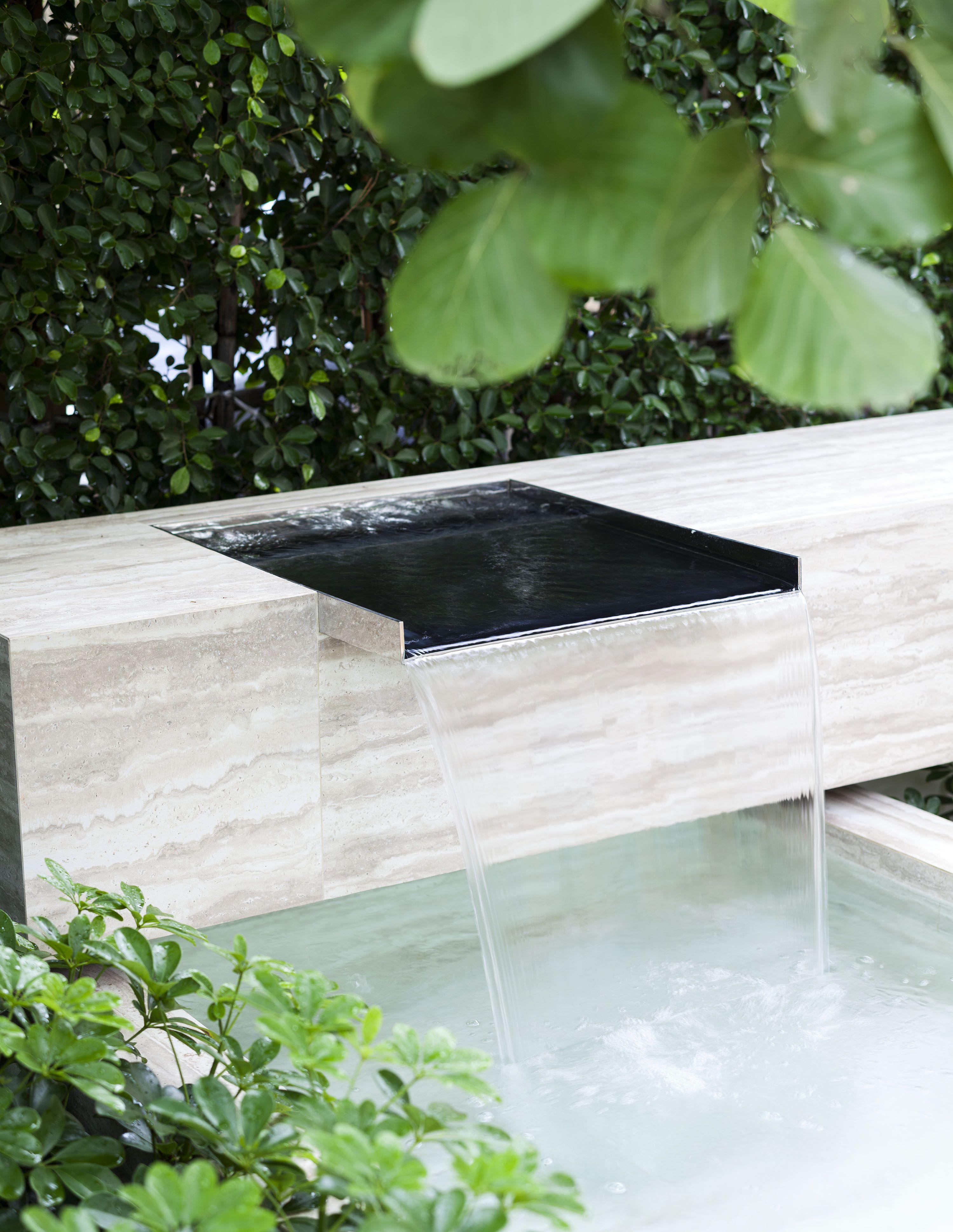 Ging Fountain Wall Backyard Water Feature Backyard Pool Landscaping Backyard Landscaping Designs