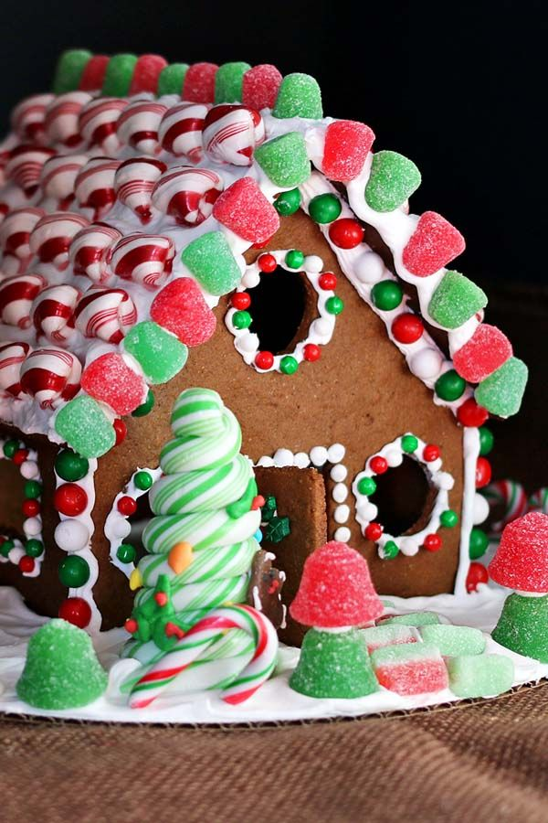 Christmas Gingerbread House Gingerbread house, Christmas