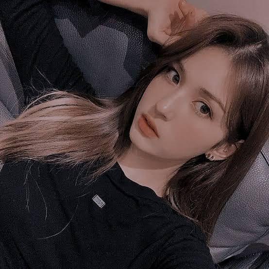 Somi Twon تعريف Di 2021 Selebritas Selebriti Gadis Korea