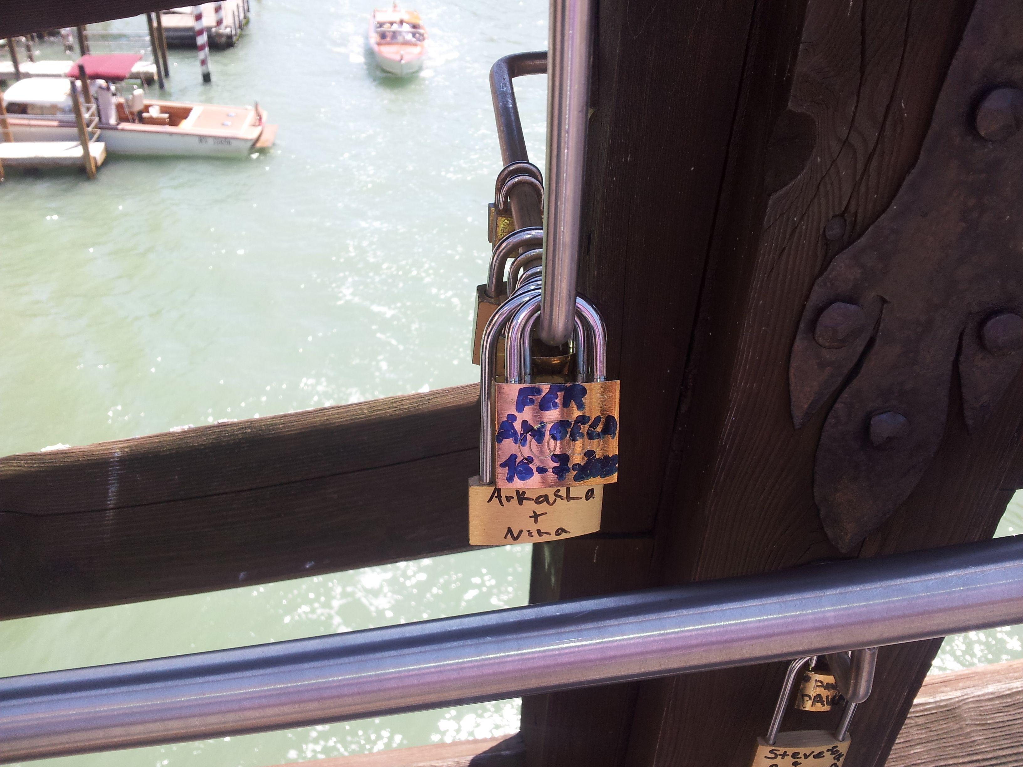pont de l'Académia, les cadenas !