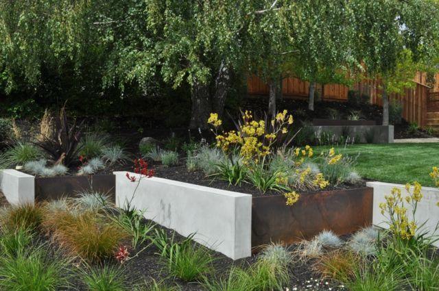 Garten Gestaltung Ideen Gemutliche Sitzecke Metall Beton Beton Gartendesign Ideen Moderne Landschaftsgestaltung Baumgarten
