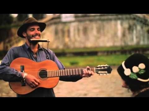Kuska - Madera / El Chico Del Pórtico (en Cusco) - YouTube