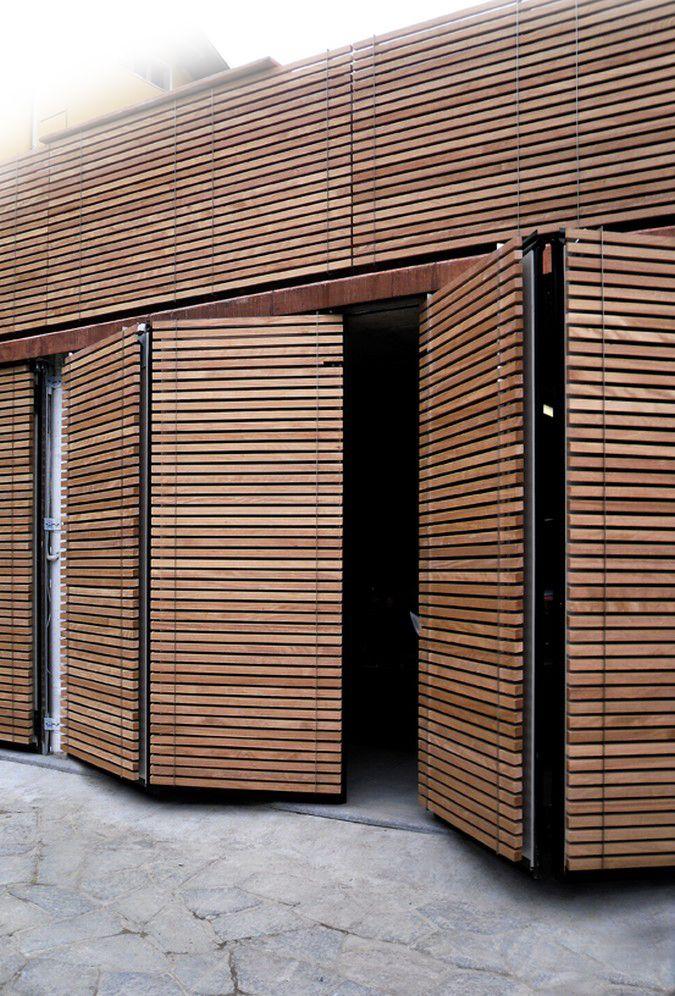 Wall covering xilomoenia garden design pinterest for Puertas corredizas revit