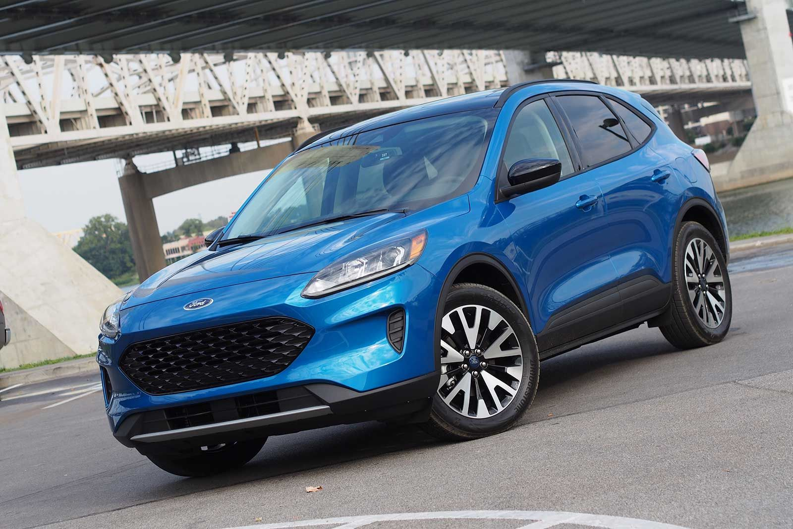 The 2021 Ford Escape Comes To The Marketplace After The Current Comprehensive Remodeling And Ford Doesn T Have Much Room For I Ford Escape Ford Suv Hybrid Car