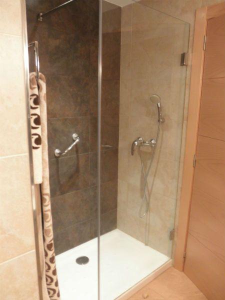 azulejos diferente para las duchas alicante