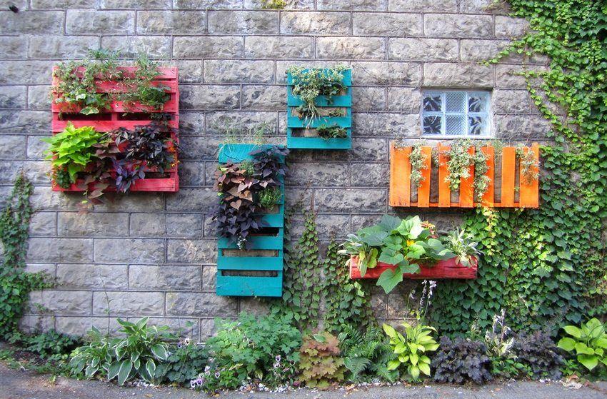 DIY pallette garden DIY projects Pinterest Urban gardening